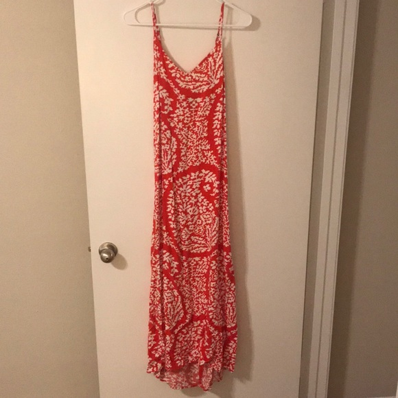 GAP Dresses & Skirts - Red and white paisley maxi dress